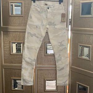 NWT! True religion light army print skinny jeans!